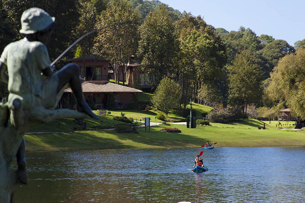Sierra Lago - remar en un kayak o utilizar el paddle board